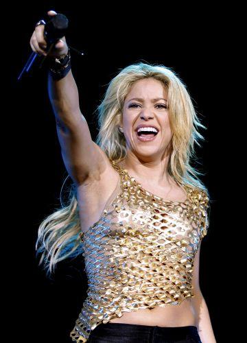 Shakira sorri em show da turnê