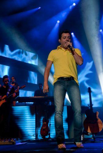 Bruno canta para cerca de 2 mil pessoa durante primeiro show de Bruno & Marrone no Citibank Hall, Rio de Janeiro (28/01/2011)