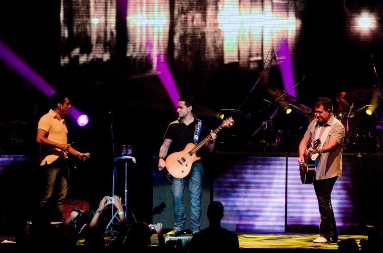 Durante show de Bruno & Marrone, uma da novidades foi a exibição de vídeos em um imenso telão no fundo do palco, no Citibank Hall, Rio de Janeiro (28/01/2011)