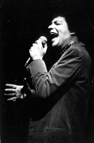 Cauby Peixoto em apresentação em São Paulo, em 1985