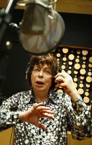 Cauby Peixoto grava em estúdio disco com interpretações para músicas de Roberto Carlos (22/09/2009)