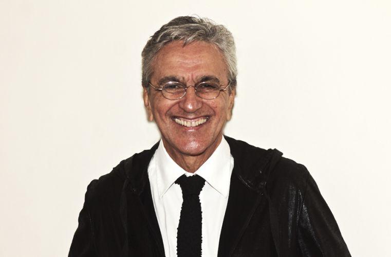 O cantor Caetano Veloso participa da gravação do DVD da dupla Chitãozinho e Xororó em comemoração aos 40 anos de carreira, em São Paulo (1/8/11)