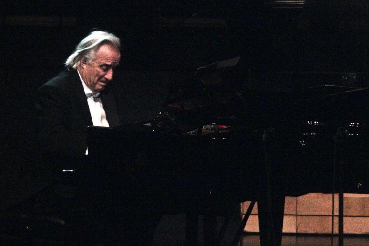 O maestro João Carlos Martins durante a gravação do DVD da dupla Chitãozinho e Xororó na Sala São Paulo, em São Paulo (1/8/11)