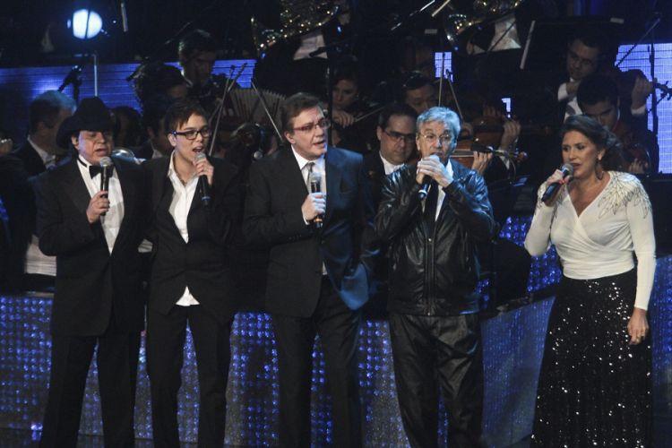 Chitãozinho e Xororó gravam DVD em comemoração aos 40 anos de carreira com a participação de convidados, na Sala São Paulo, em São Paulo (1/8/11)