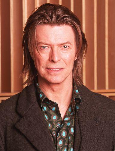 David Bowie participa de programa de rádio na BBC, em Londres, em 2001