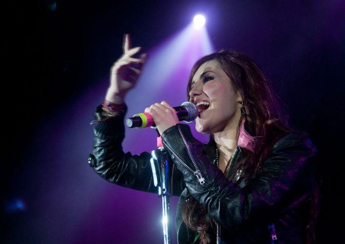 Dulce María empolga os fãs no Rio de Janeiro, com a turnê do disco solo
