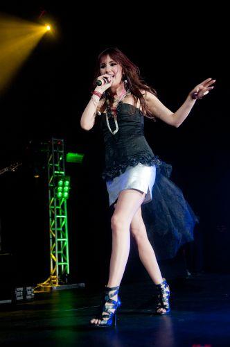 Dulce María durante show no Rio de Janeiro (29/5/11)