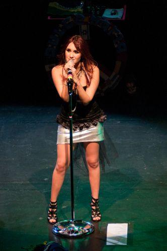 Dulce María está no Brasil para divulgar o álbum