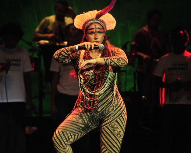 Abrindo as comemorações dos seus 35 anos de carreira, Fafá de Belém traz pela primeira vez para São Paulo, no Auditório Ibirapuera, o show do DVD