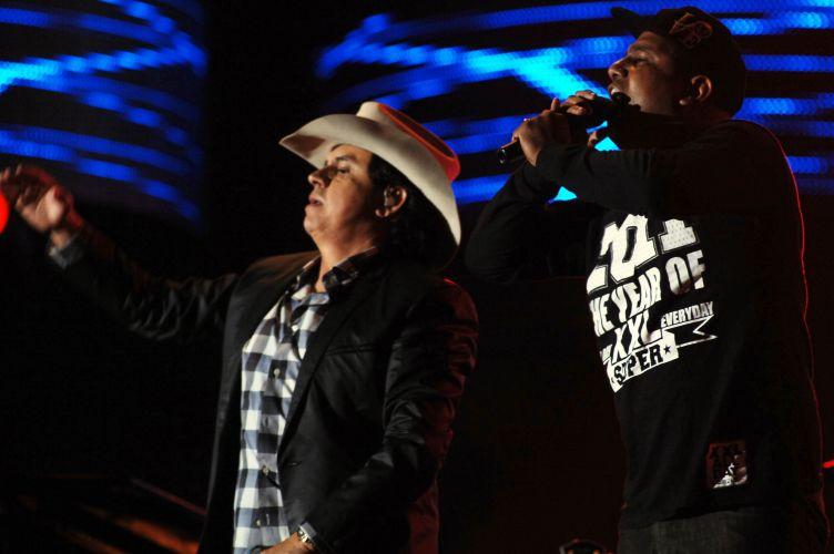 Show da dupla Chitãozinho e Xororó em Barretos teve participação de artistas convidados (20/8/11)
