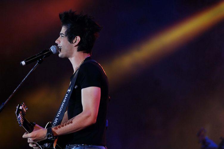 Gusttavo Lima faz show na Festa do Peão de Barretos (27/8/11)