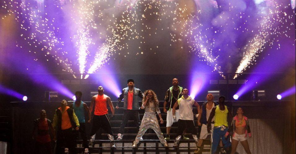Jennifer Lopez apresenta