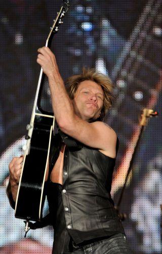Jon Bon Jovi em apresentação na edição espanhola do Rock in Rio em Arganda del Rey (4/6/10)