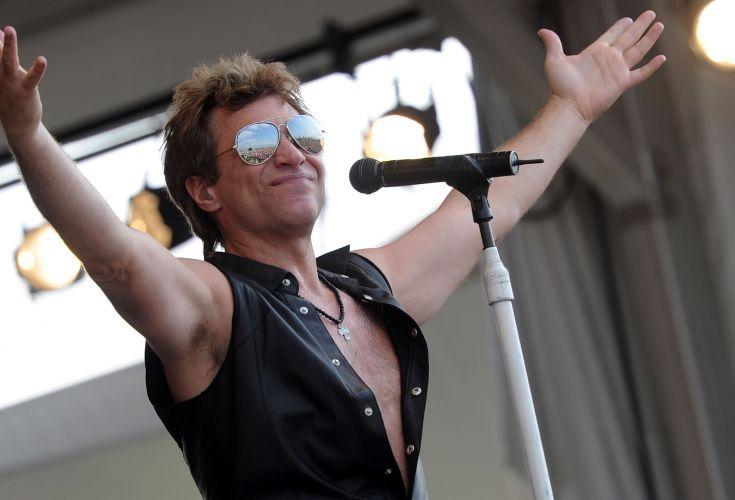 O cantor Jon Bon Jovi se apresenta no segundo dia do New Orleans Jazz & Heritage Festival em Nova Orleans, Estados Unidos (30/4/11)
