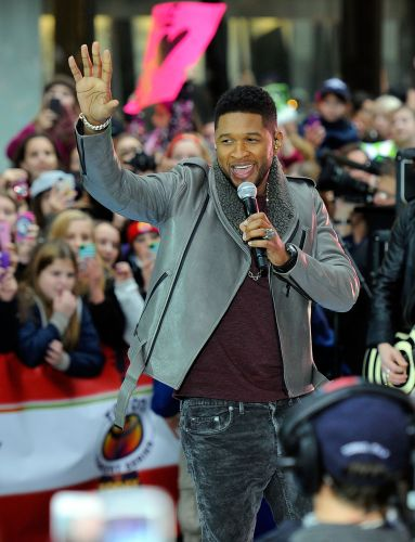 O cantor Justin Bieber se apresentou com seu mentor Usher no programa de televisão
