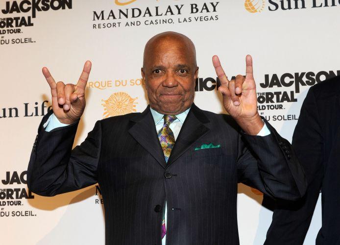 O produtor musical Berry Gordy, fundador da gravadora Motown, que descobriu os Jacksons Five, chega à pré-estreia o espetáculo
