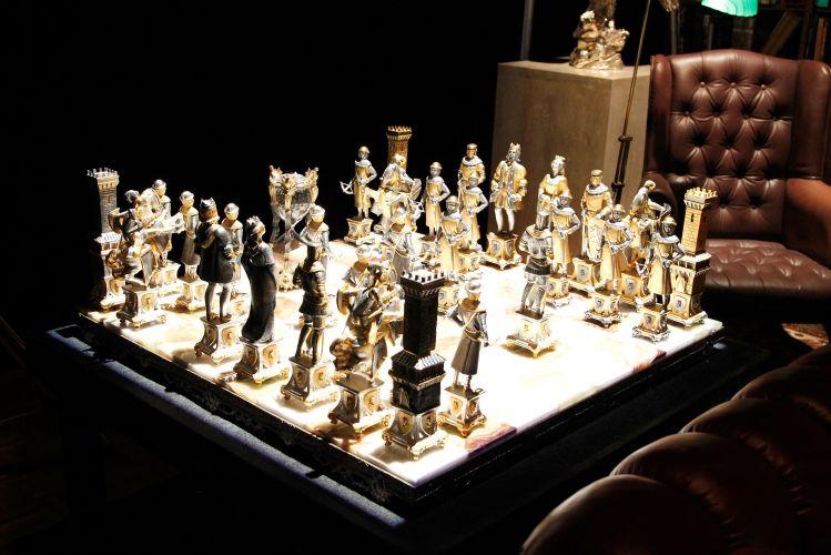 Jogo de xadrez que pertencia ao Rei do Pop fica em exposição na pré-estreia do espetáculo