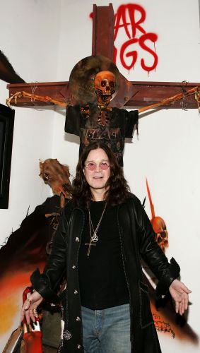 Cantor Ozzy Osbourne em mostra com itens sobre o Black Sabbath em Hollywood, nos Estados Unidos (17/11/2006)