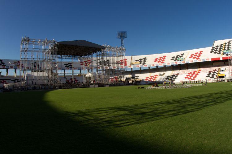 Palco para shows do ex-Beatle Paul McCartney no Recife. Os ingressos para sábado (21) já estão esgotados (19/4/12)