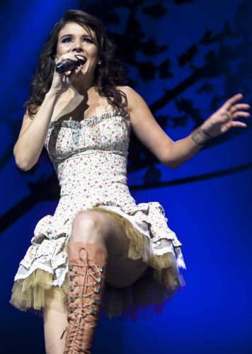 Show da cantora sertaneja Paula Fernandes em São Paulo para estrear a turnê que promove seu primeiro DVD ao vivo (26/03/2011)