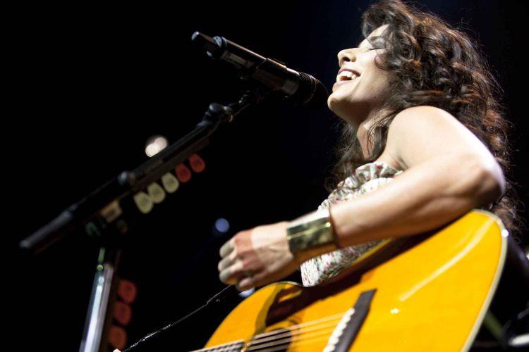 Show da cantora sertaneja Paula Fernandes em São Paulo (26/03/2011)