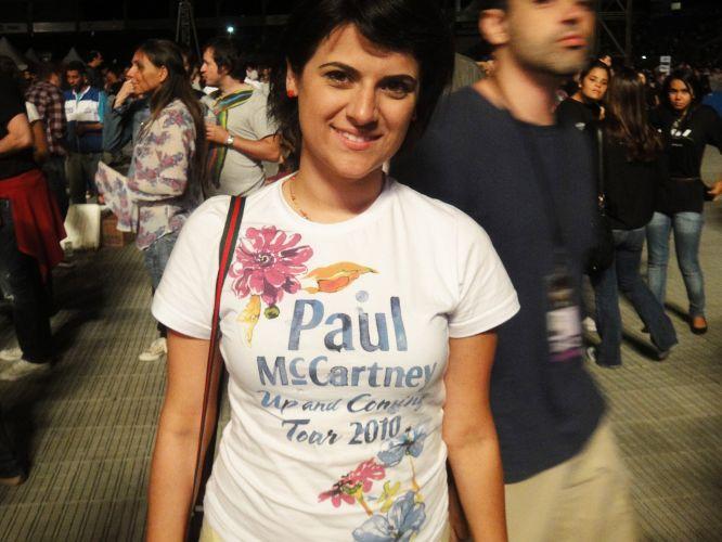 A professora Samia Costa, 28, aproveitou a camiseta da turnê