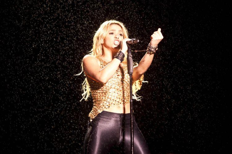 A colombiana Shakira apresenta no estádio do Morumbi seus principais sucessos, incluindo canções de