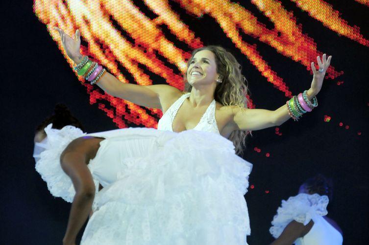 Show gratuito da cantora Daniela Mercury na praia de Copacabana para celebrar o Réveillon e gravar DVD ao vivo que será lançado em 2011