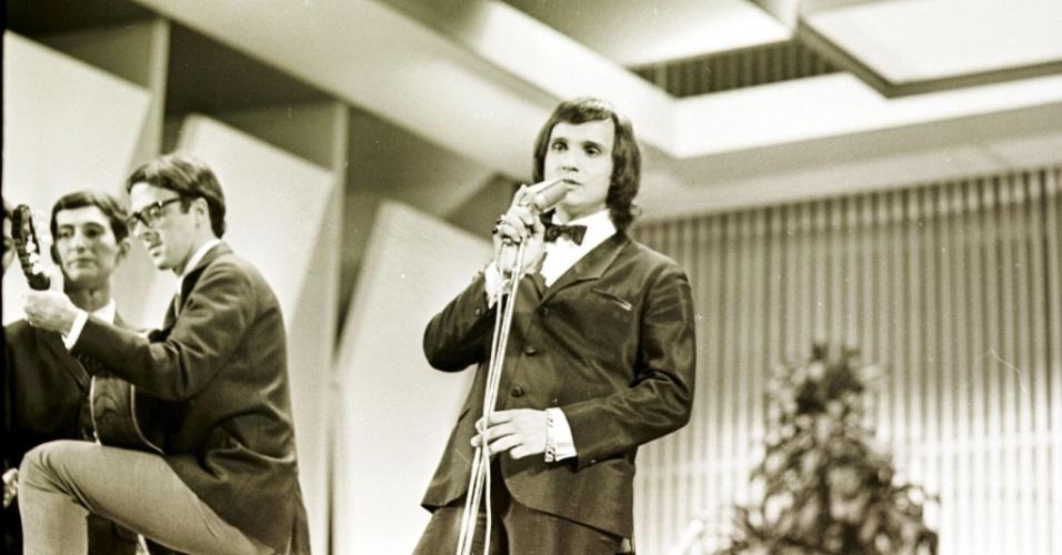 Roberto Carlos se apresenta no Festival da Record de 1967, tema do filme