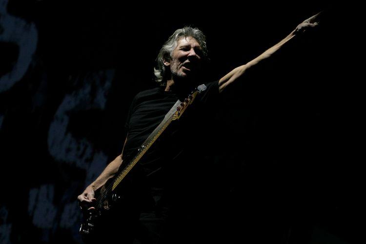 O cofundador do Pink Floyd se apresenta em Santiago no primeiro de 15 shows que fará no Chile, na Argentina e no Brasil (2/3/12)