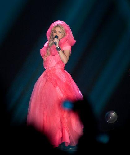 A cantora colombiana Shakira em show em Barcelona, Espanha, para mostrar a turnê
