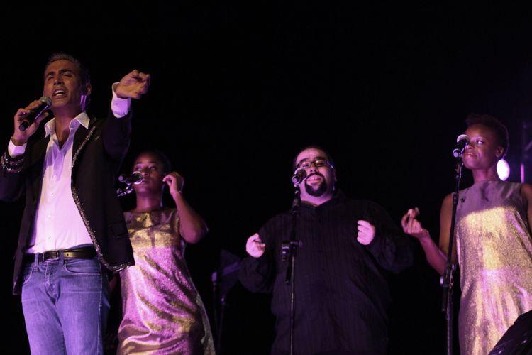 Pitinga faz sua apresentação no festival de música latina