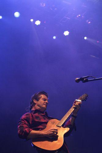 Victor e Leo se apresentam no festival de música latina