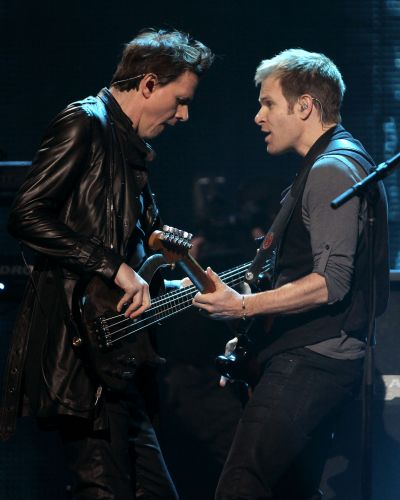 Integrantes do Duran Duran tocam em show realizado no evento VH1's Pepsi Super Bowl Fan Jam na cidade de Grand Prairie, no Texas (03/02/2011)