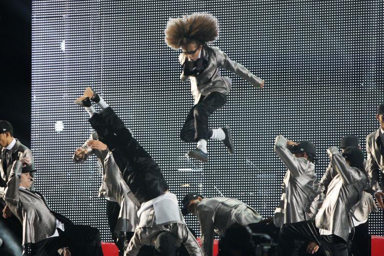 O grupo de dança Diversity também homenageou Michael Jackson, no tributo