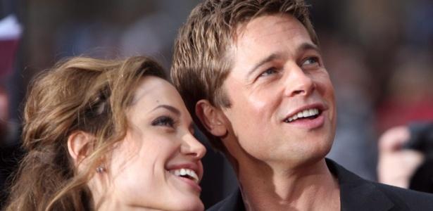 O casal Angelina Jolie e Brad Pitt assistem à première do filme