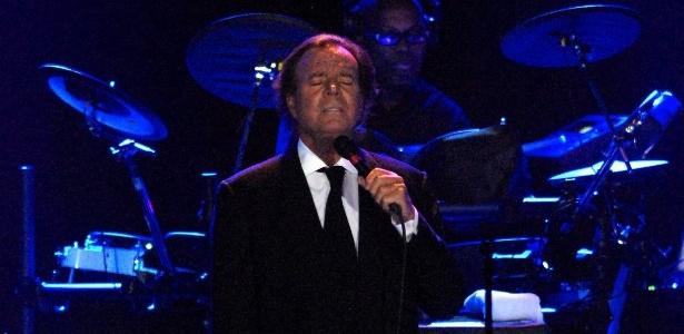 Julio Iglesias durante show em Punta Del Este, no Uruguai (13/1/2010)
