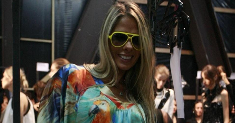 Adriane Galisteu no backstage da Iódice na SPFW (19/01/2010)