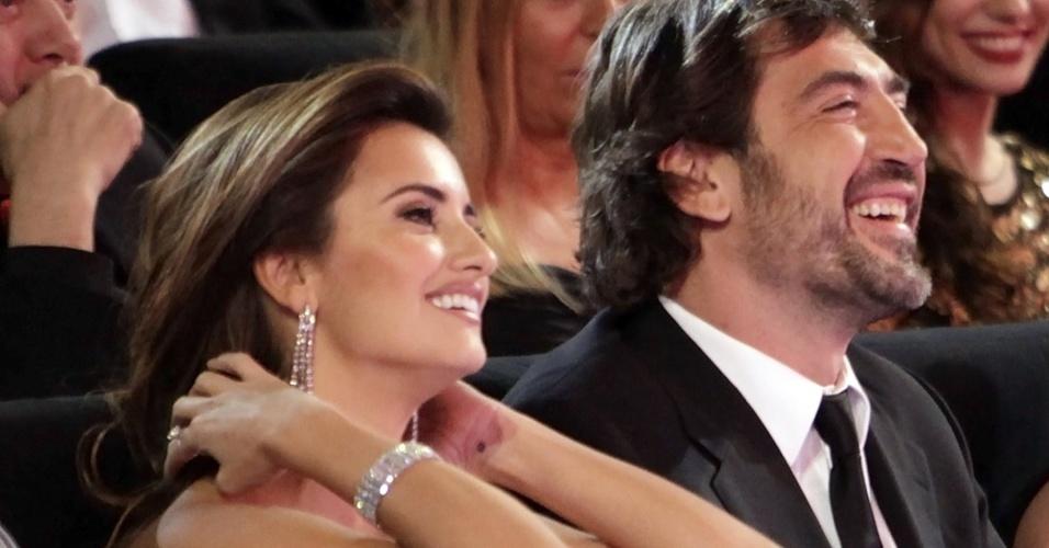 Penélope Cruz e Javier Bardem durante cerimônia dos Prêmios Goya do cinema espanhol (14/02/2010)
