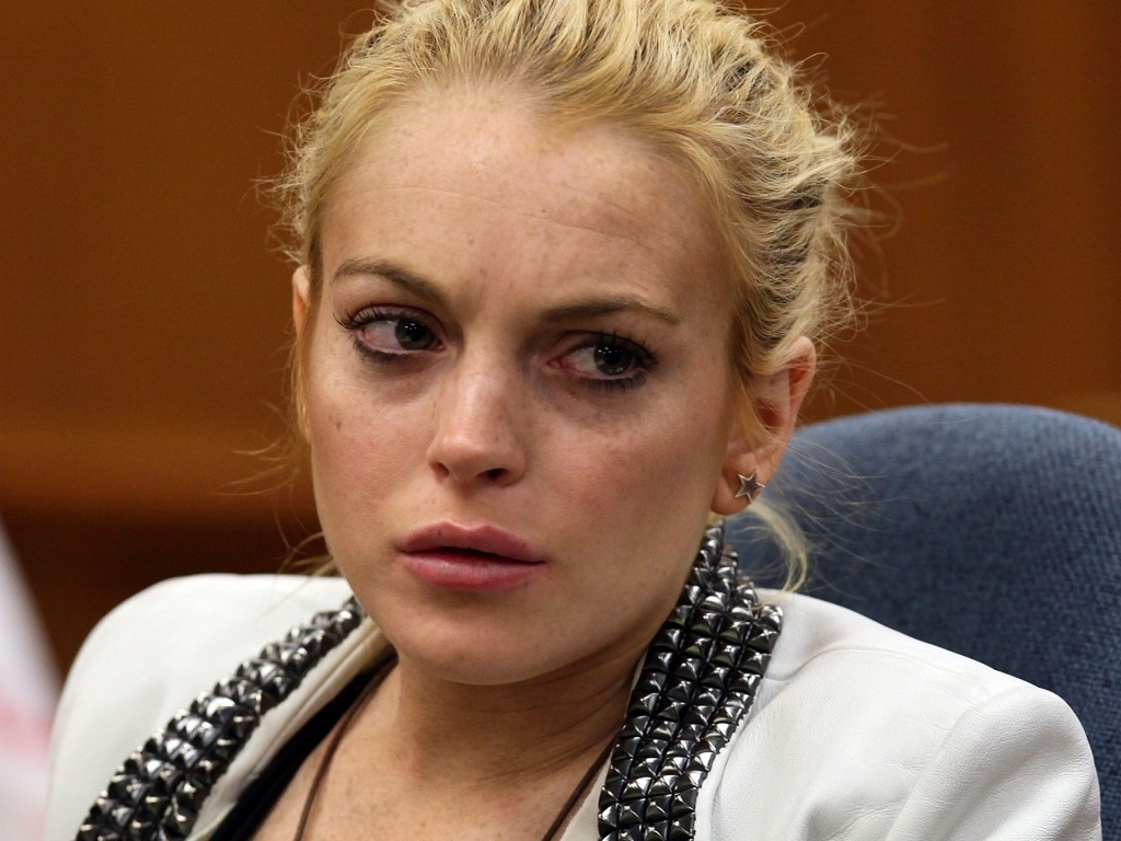 A atriz Lindsay Lohan durante audincia em tribunal de Beverly Hills (16/10/2009)