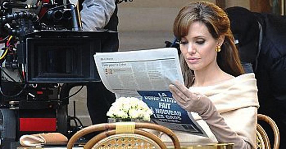 Angelina Jolie é vista rodando cena do filme