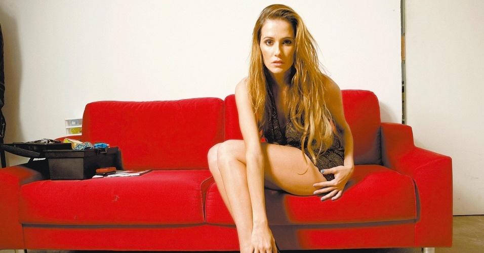 A atriz Deborah Secco caracterizada como Bruna Surfistinha (23/8/2009)
