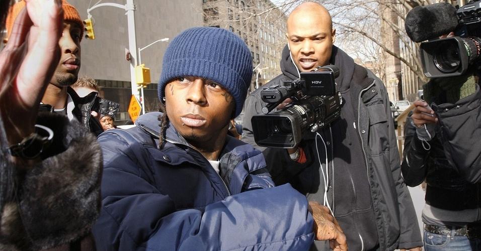 O rapper Lil'Wayne chega a um tribunal de Nova York (9/2/2010)