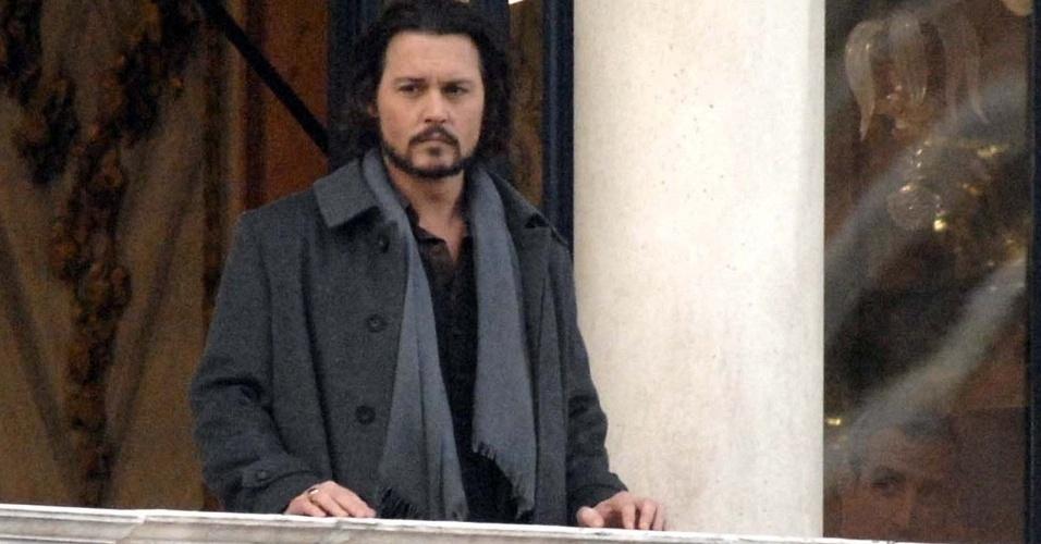 O ator Johnny Depp no set de