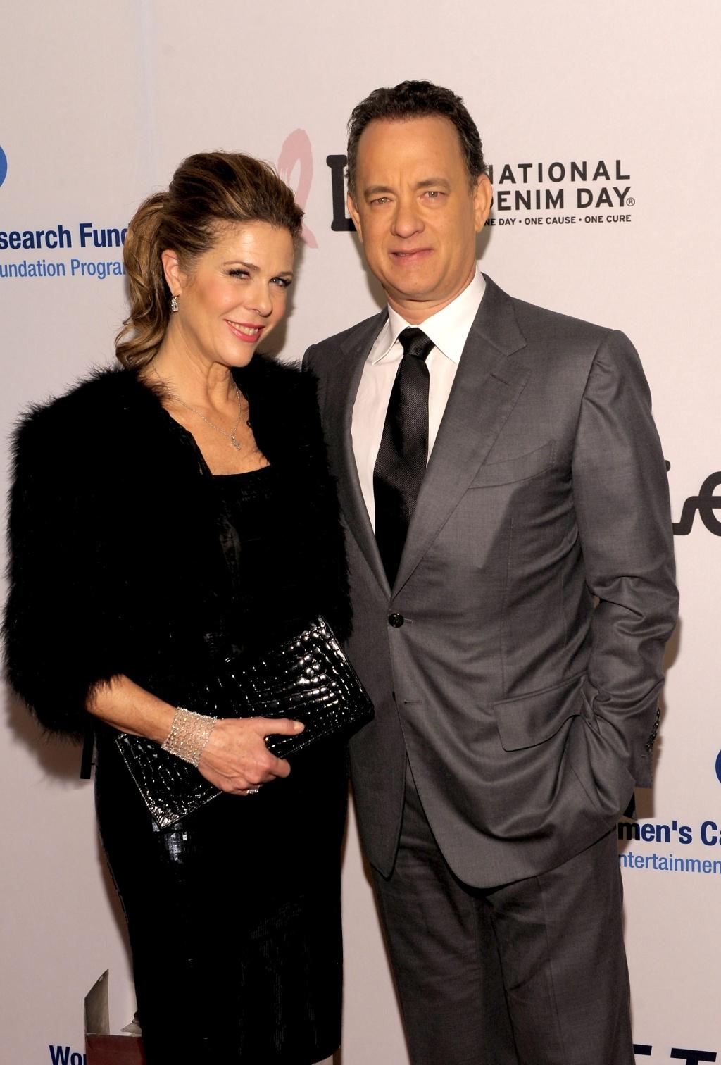 Tom Hanks e a esposa Rita Wilson durante evento beneficiente na Califórnia (27/03/2010)