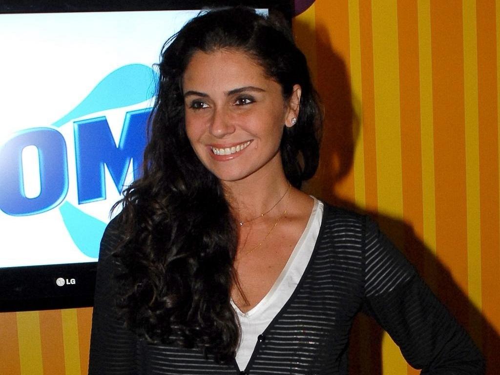 Giovanna Antonelli em sarau infantil para o lançamento do livro