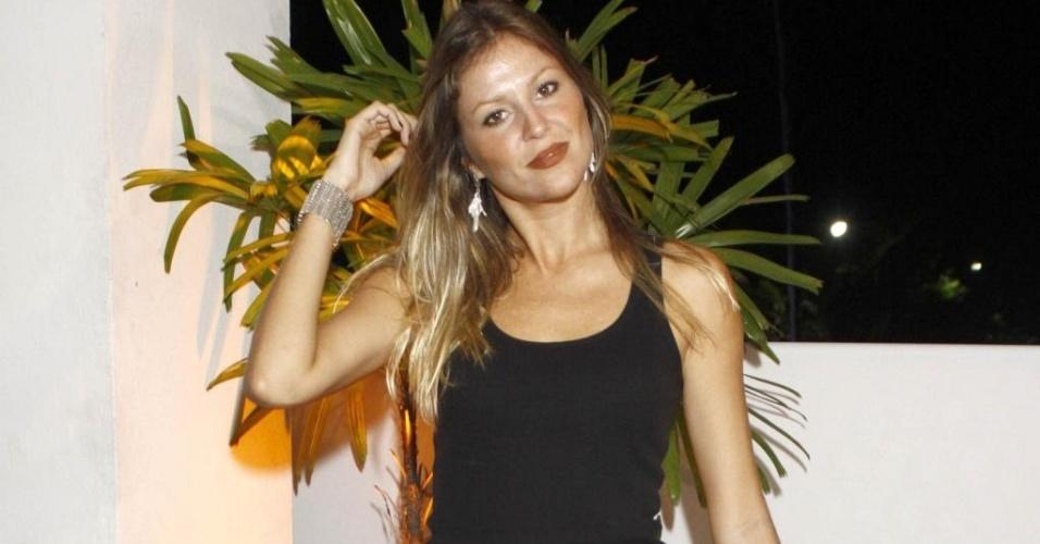 Ellen Jabour no aniversário da promoter Carol Sampaio, no Rio de Janeiro (12/3/10)