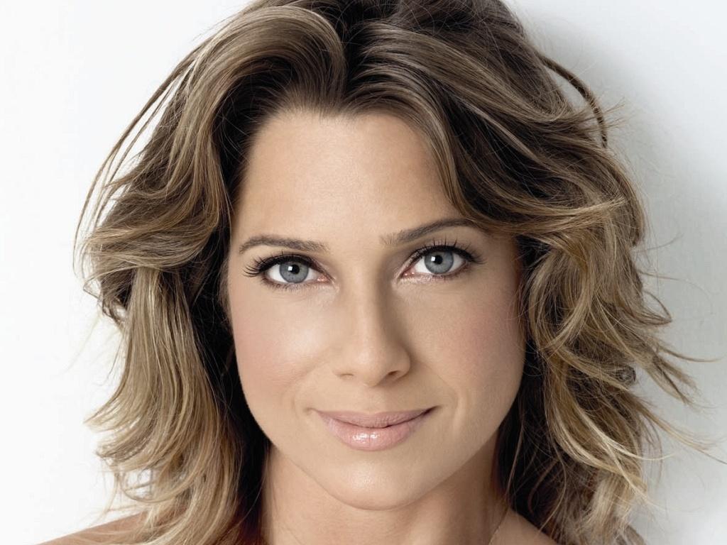 A atriz Letícia Spiller diz nunca namorou ou transei com uma mulher, nem quer (14/4/10)