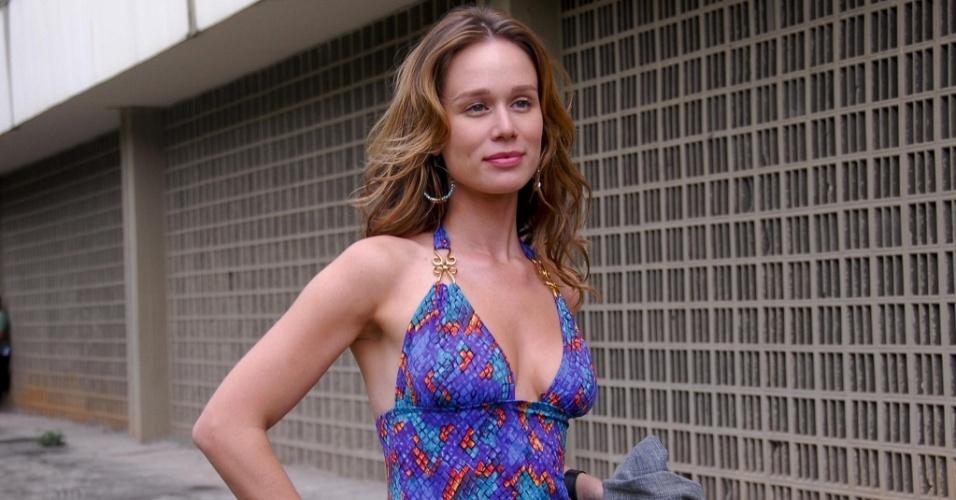 A atriz Mariana Ximenes durante gravação de