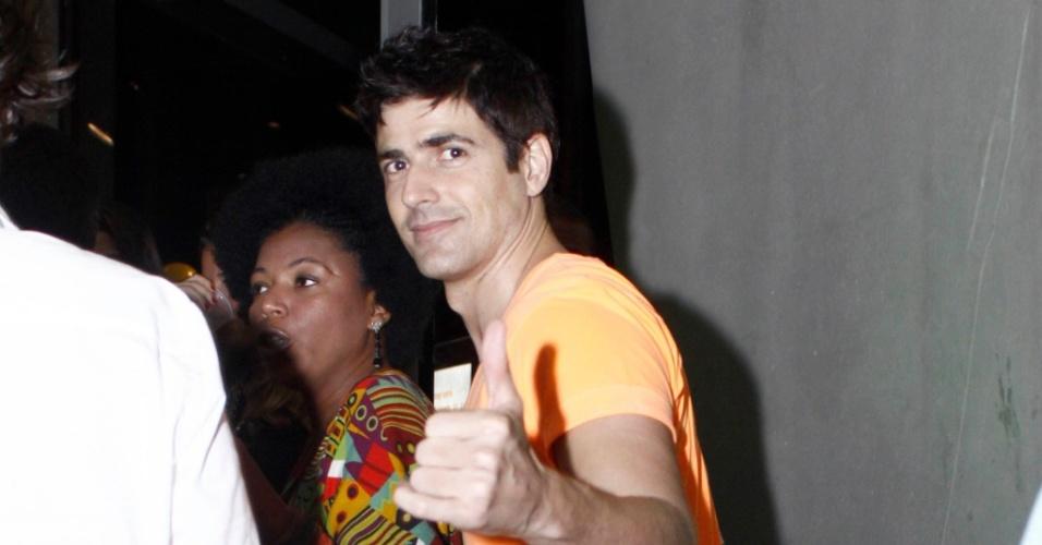 Reynaldo Gianecchini vai à festa no Rio deJaneiro (1/5/25010)